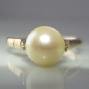 Vintage Pearl Ring 9k Yellow Gold