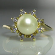 Solitaire Pearl And Diamond Ring