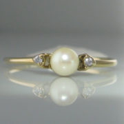 Pearl And Diamond Ring 9k Gold