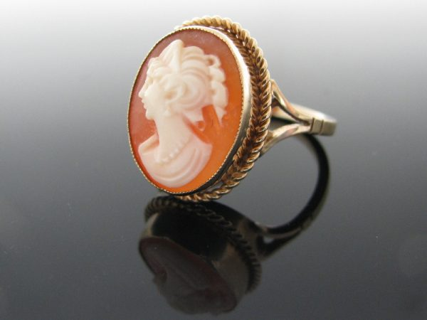 Vintage 9K Gold Cameo Ring