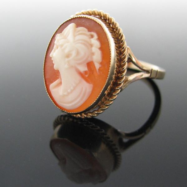 Vintage 9K Gold Cameo Ring