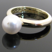 Pearl Ring In 14K Yellow Gold