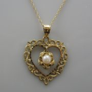 14k Heart Shaped Pendant With Pearl