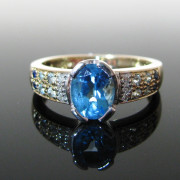 Blue Topaz Ring 9K Gold