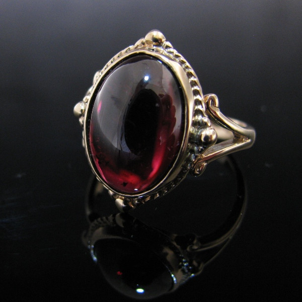 Antique Pyrope Ring
