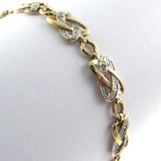 Diamond Set Bracelet in 9k gold