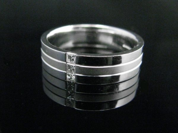 Gents 18k White Gold/ Diamond Wedding Band