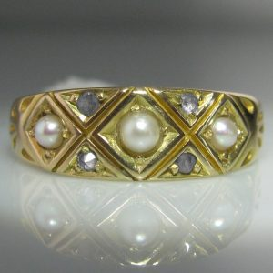 Chester Hallmark Diamond and Pearl 15k