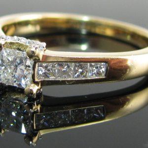 Diamond Ring 18K Yellow Gold