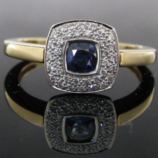 Diamond and Sapphire Ring 18K