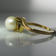 Diamond and Pearl Ring In 9k Yellow Gold
