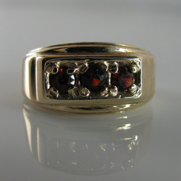 Garnet Ring, Gold Ring, Fine Jewellery, Jewellery Shop, Jewellers, Galway
