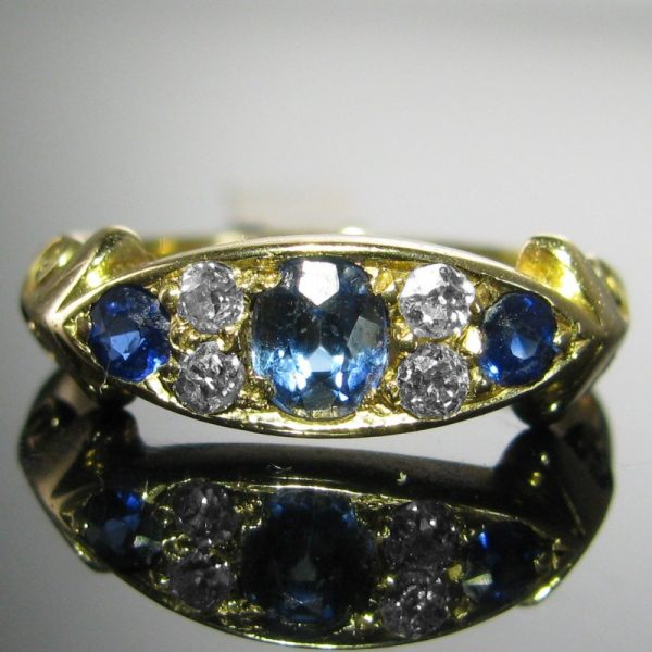 Antique Diamond and Sapphire Ring - 18k