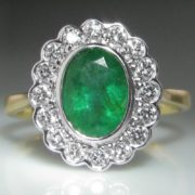 Oval Emerald and Diamond Ring - 18k Gold