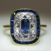 Antique French Deco Sapphire Ring in 18k Gold