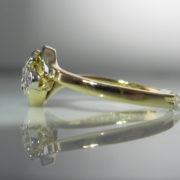 Diamond Daisy Twist Ring - 18k Gold