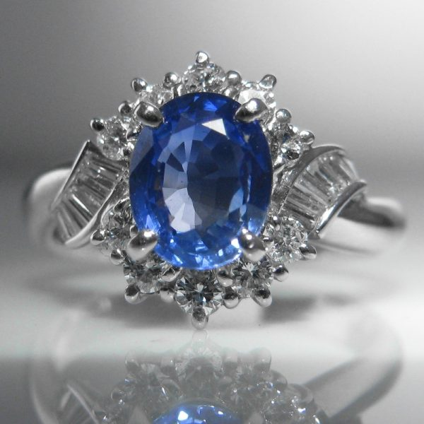 Cornflower Blue Sapphire Amp Diamond Ring Set In Platinum