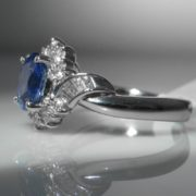 Cornflower Blue Sapphire and Diamond Ring set in Platinum