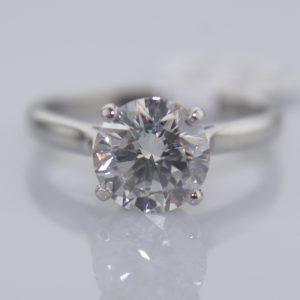 2.03 Carats Diamond Ring in Platinum - Certified G Colour