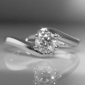 Diamond Solitaire Twist Ring