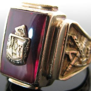 Gents 10K Gold College Class Ring