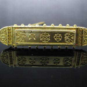 Antique Victorian Etruscan 15K Gold Brooch