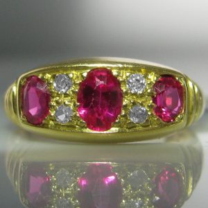 Vintage Diamond And Ruby Ring 18k