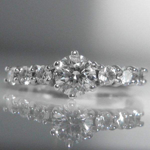 18k White Gold and Diamond Ring 0.6ct